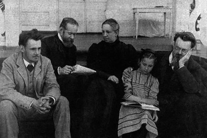 В.И. Вернадский в окружении близких людей